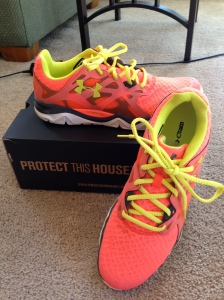 NEON!!!! I love LOVE bright colors and bright shoes make that even better!! I cannot wait to wear this at the gym!